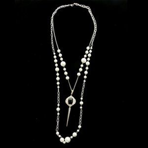 Luxury Crystal Pearl Necklace Silver & White NWOT